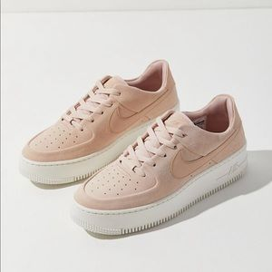 NIKE Women's Air Force One Sage Low Pink NEW sz 6